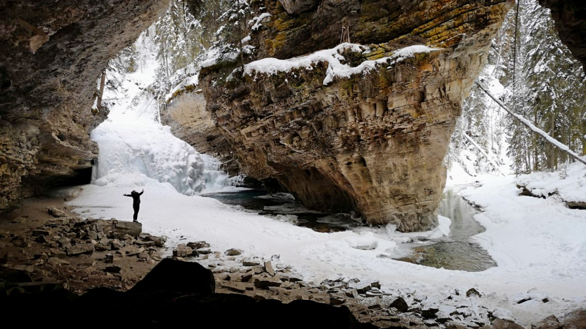 A Johnston Canyon hike – we found the secret cave!