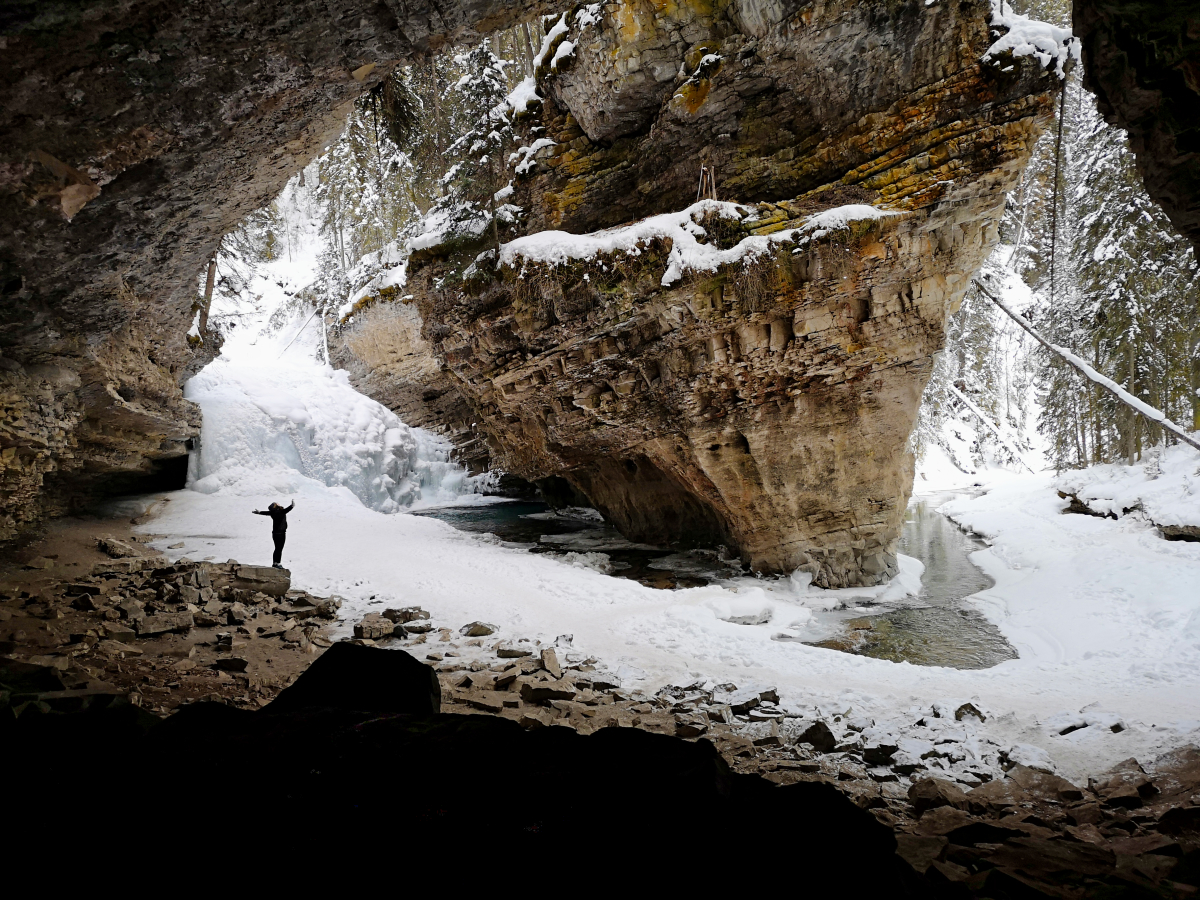 You are currently viewing A Johnston Canyon hike – we found the secret cave!