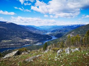 3 fairly easy hikes in Nelson BC with beautiful views
