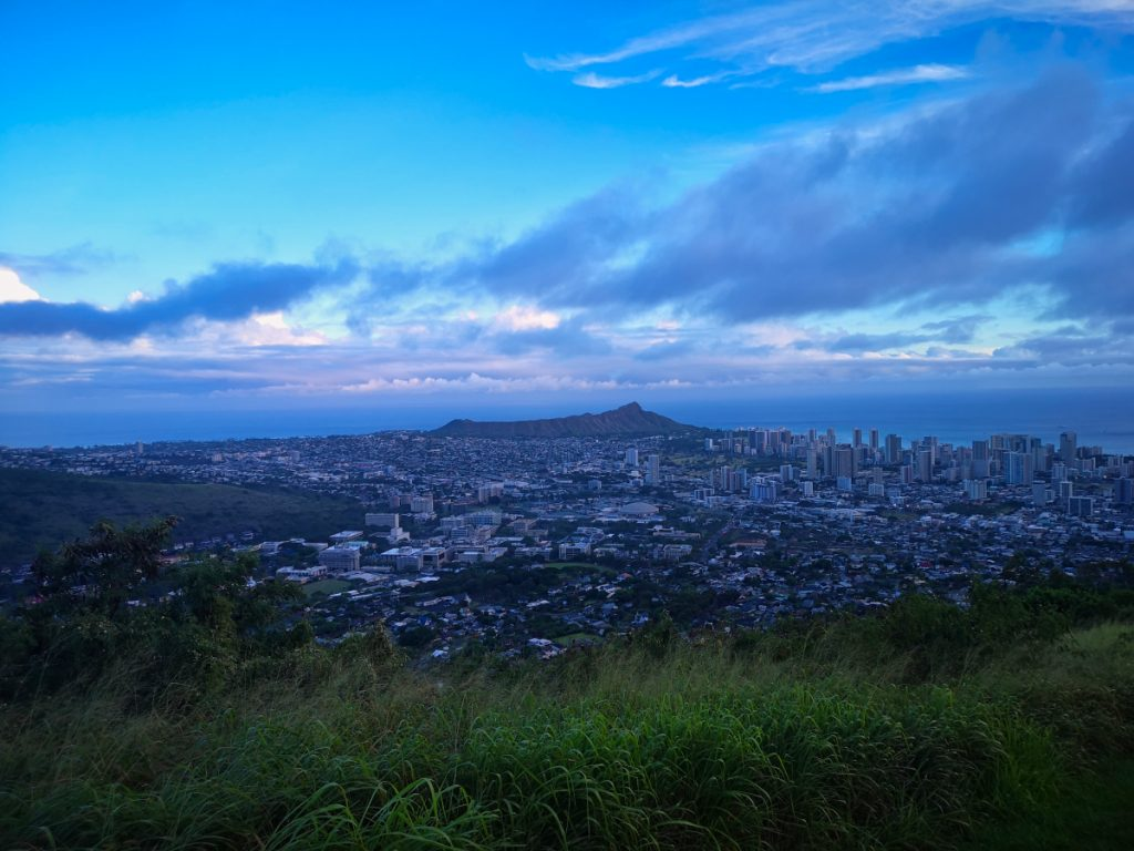 Tantalus Lookout, Oahu. One of several free things to visit when backpacking Hawaii.